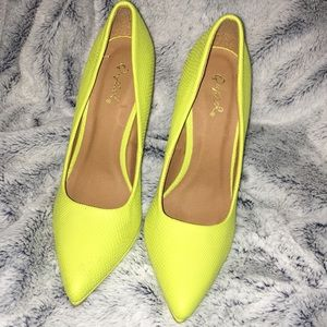 Yellow/ Green Qupial Pump Heels